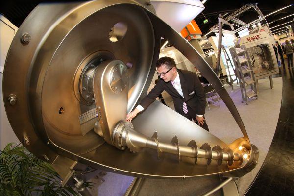 Powtech 2016. Quasi 900 espositori presenteranno a Norimberga le ultimissime tecnologie per la lavorazione, l'analisi e l'handling di polveri e materiali sfusi.