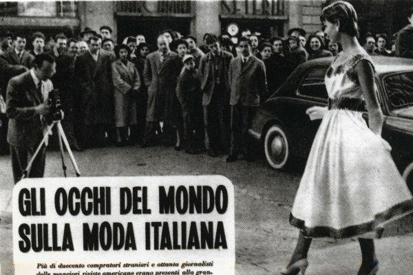 Dal 1952 fino al 1982 la Sala Bianca di Palazzo Pitti diventa palcoscenico di memorabili sfilate, grazie alle quali la moda italiana diventa un fenomeno mondiale
