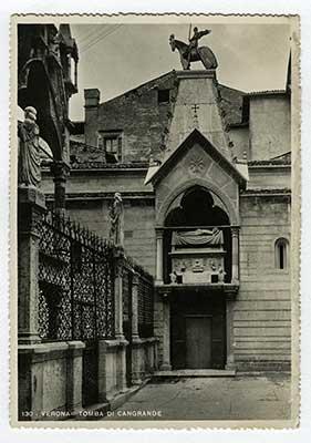 Immagine 3 - Cartolina degli anni '50 della tomba di Cangrande della Scala (1291-1329), Verona. Goa, India costa occidentale, stampa del 1595.