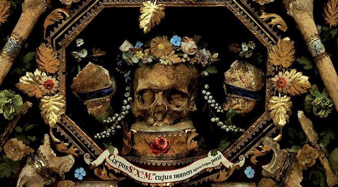 Reliquiae | Intrusione fotografica nell'arte sacra