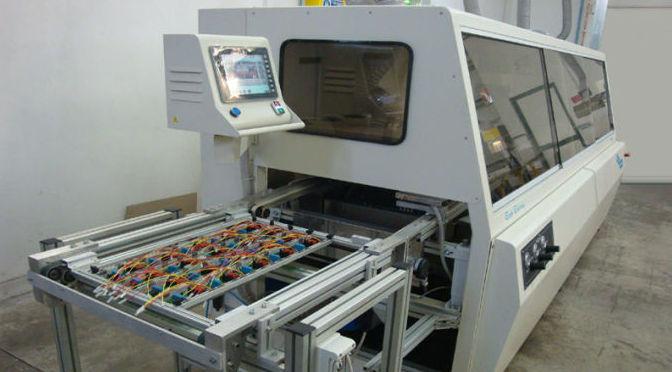 La saldatura automatica di componenti elettronici