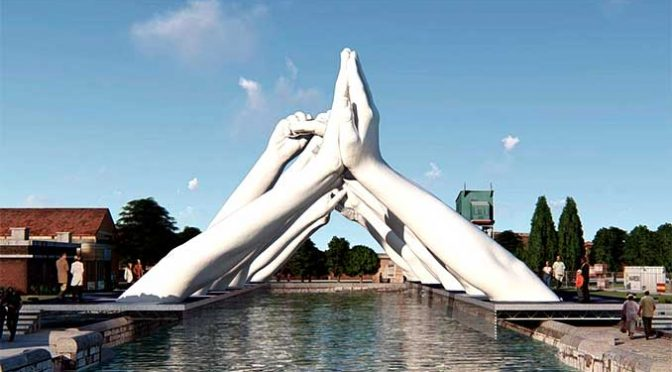 Building Bridges la nuova opera di Lorenzo Quinn a Venezia
